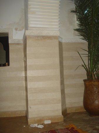 Riad Anastassja: morceaux de plâtre tombé dans la nuit