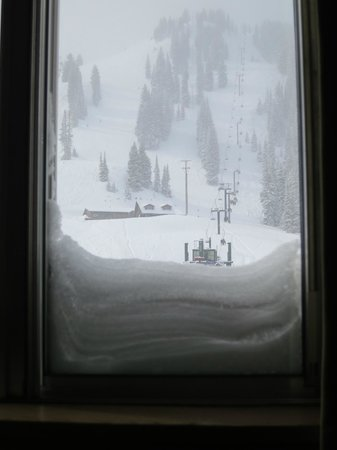 Goldminer's Daughter Lodge: View from room 307 (3rd floor, mountain-facing)... snow!!