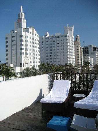 Catalina Hotel & Beach Club: Room 400 - private porch