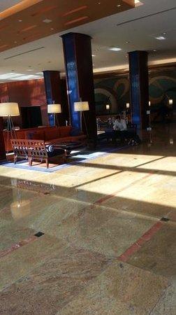 Hilton Baltimore: Hilton Lobby