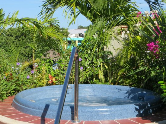 El Taj Oceanfront & Beachside Condos Hotel: Rooftop jacuzzi