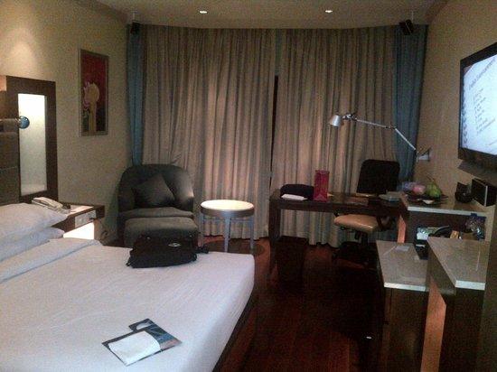 Vivanta by Taj - President, Mumbai : room
