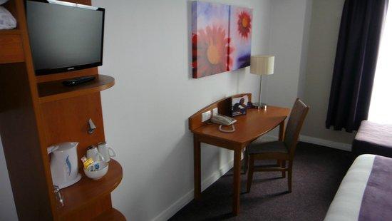 Premier Inn Derry / Londonderry Hotel: Premier Inn Derry - Standard Double Room