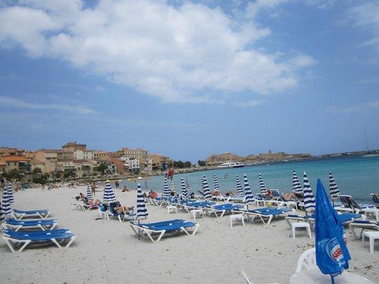 Hotel l'Escale Côté Sud : Lovely beach