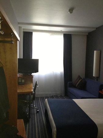 Holiday Inn Express London-Wimbledon-South: View from door