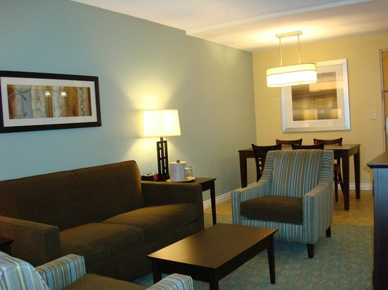 Navy Lodge Bangor: Living room of Suite