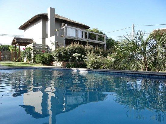 Villa Juana Bungalows & Suites