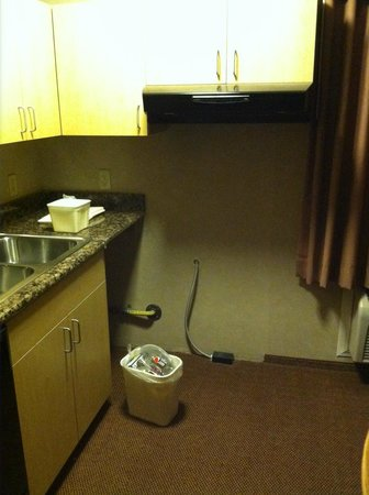 Sleep Inn, Inn & Suites Ronks: Where stove should be