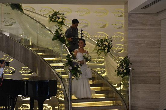 The Bayleaf: Свадьбы в Бэйлив