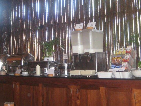 Mahekal Beach Resort: Buffet desayuno