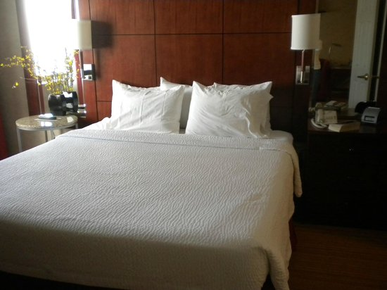 Residence Inn Minneapolis Downtown/City Center: great bed