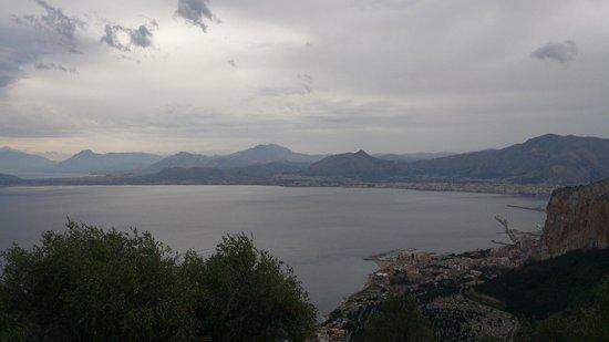 Monte Pellegrino: dall'alto la baia