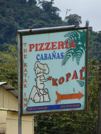 Hotel Kopal Ecuador: Sign on street