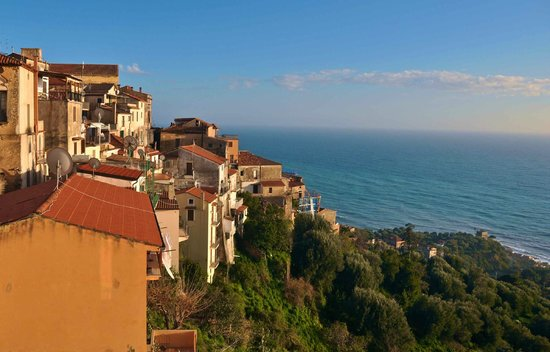 Marulivo Hotel: The view of Pisciotta from the hotel terrace