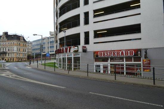 Desperados : View from street