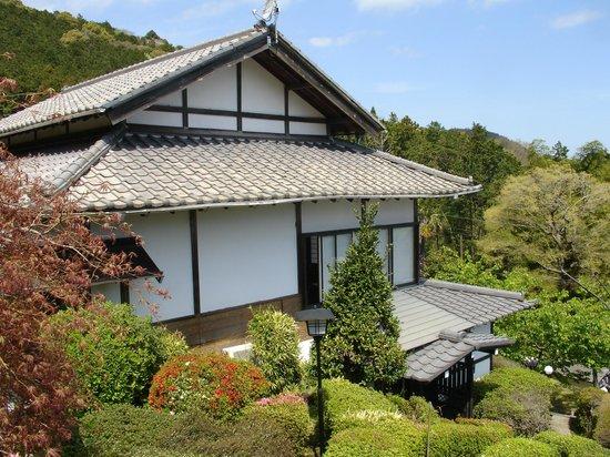 Yokohama Fujiyoshi Izuten: A view from the balcony
