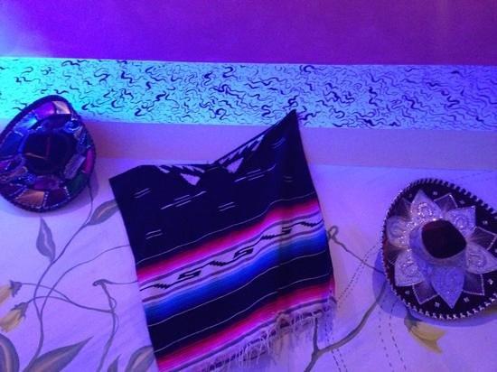 Simboli messicani appesi alle pareti foto di don for Simboli arredamento
