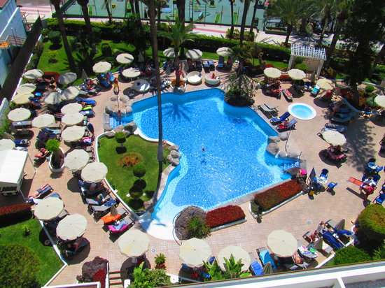 Hotel H10 Big Sur: The pool