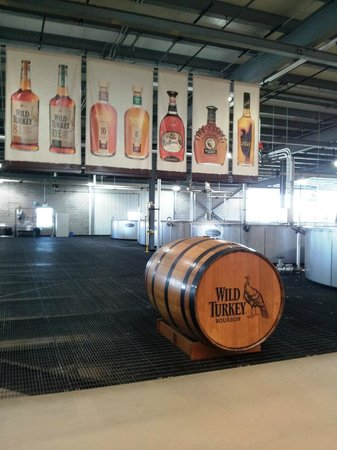 Wild Turkey Distillery: Biggest barrel they have.