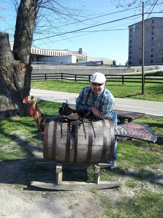 """Wild Turkey Distillery: Acquired a """"Russell Reserve"""" hat from the gift shop."""