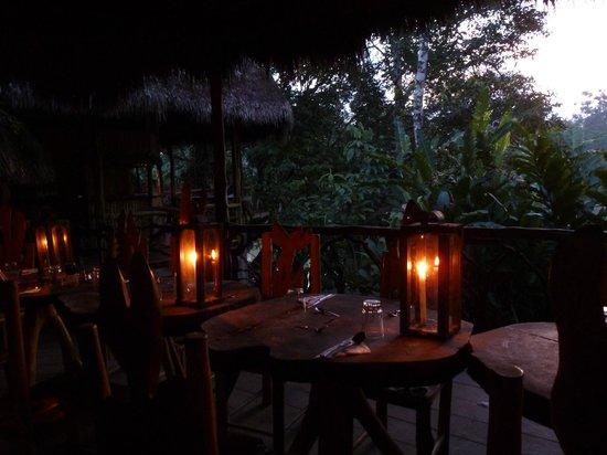 Liana Lodge: Dinner table