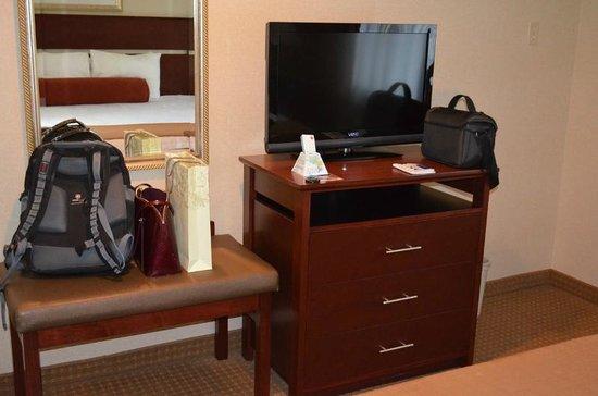Best Western Plus Landmark Inn: King Suite view5