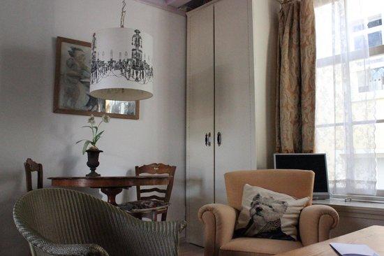 B&B Herengracht 21: appartamento con vista interna: soggiorno