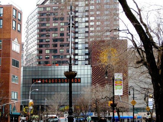 Big Onion Walking Tours : Union Square Park - Clock