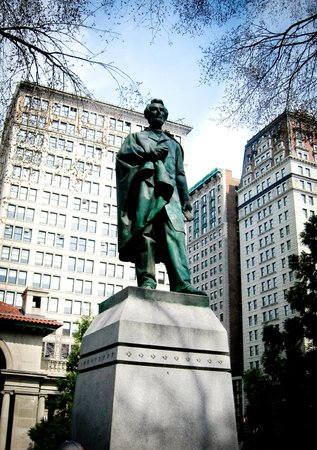 Big Onion Walking Tours : Lincoln - Defender of Freedom  - Union Square Park