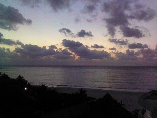 Hotel Posada Sian Ka'an: Sunrise From Sun Deck