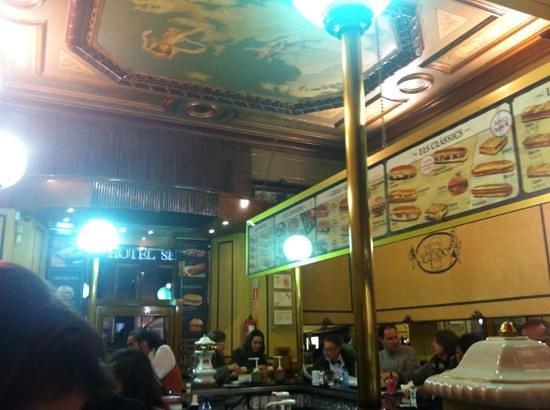 Cafe Viena Rambles : atmosfera classica viennese