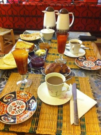 Dar Asdika: Breakfast
