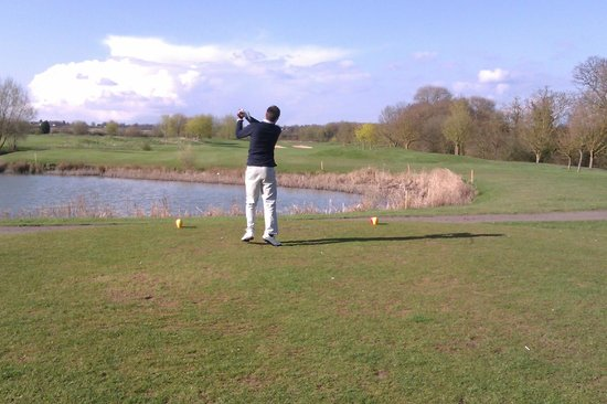 Bidford-on-Avon, UK: Tee of Hole 3