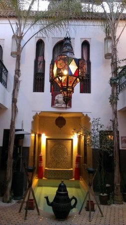 Riad La Porte Rouge: Foyer