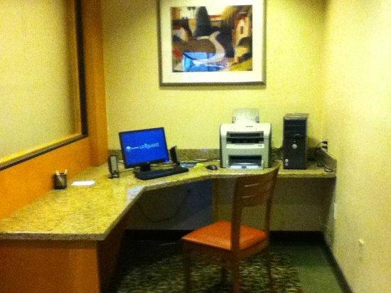 Fairfield Inn & Suites Indianapolis Northwest : Business Center
