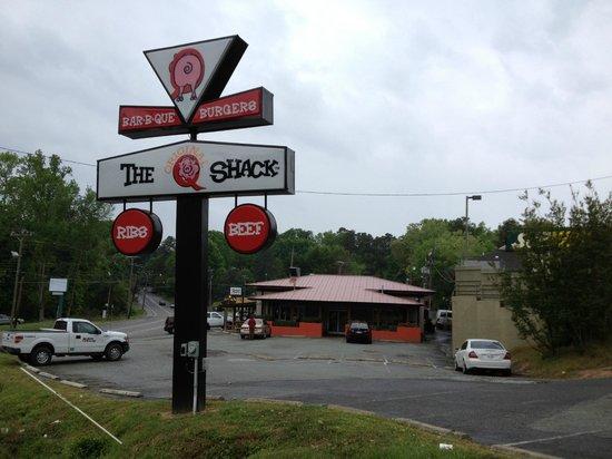 The Original Q Shack: Q Shack signage; restaurant side in background