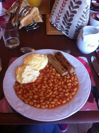 Fenview Lodge B&B : Made to order with special Quorn sausages!!