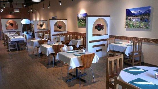 Alpine Restaurant: Inside