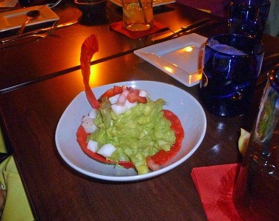 New Rebozo Mexican Restaurant: Guacamole appetizer—creative recipe but not my tastes