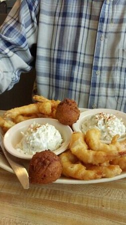 Marina Oyster Barn: fried shrimp, hush puppies and cole slaw