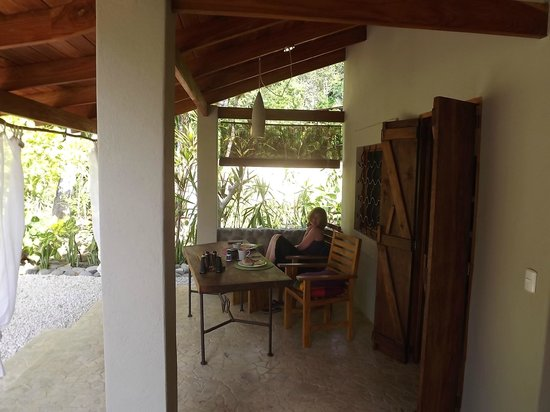 Hotel bungalows SolyLuna los Almendros.: Front porch