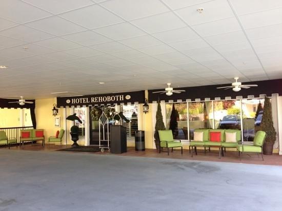 Hotel Rehoboth: Back entrance