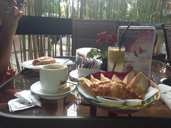 Bali Deli Sanur: petit dejeuner