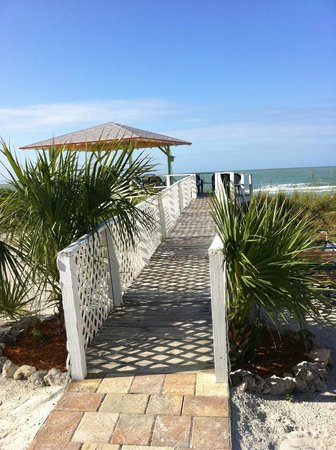 Beachview Cottages: Look out deck.