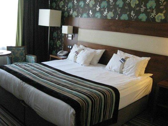 Leopold Hotel Antwerp: Bed