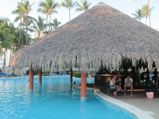 Vista Sol Punta Cana Beach Resort Spa Swim Up Bar