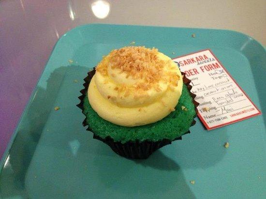 Sarkara Sweets: Cupcake I ordered. It was terrible.