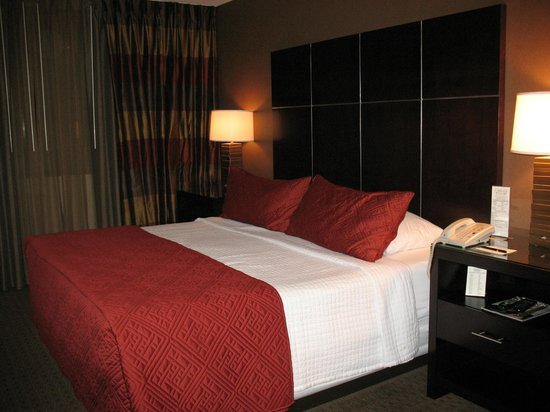 The Carriage House: King size bed