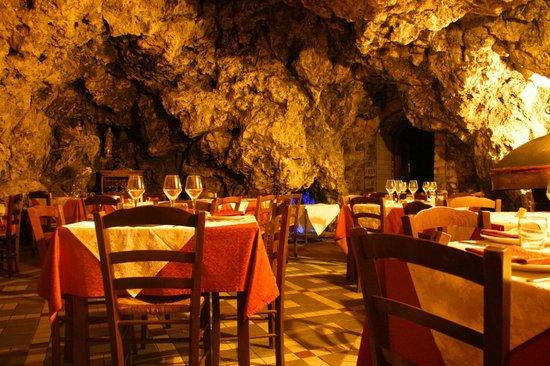 La Grotta: Agriturismo La Grotta