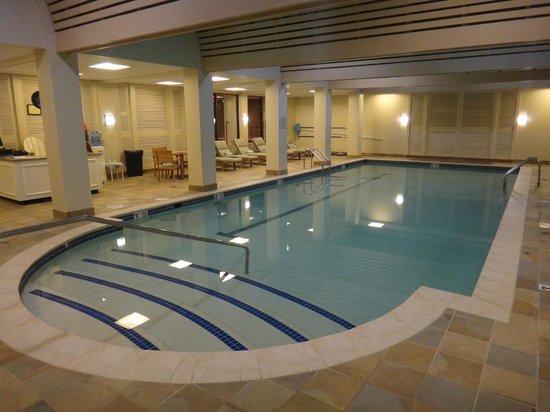 Boston Marriott Newton: Swimming pool